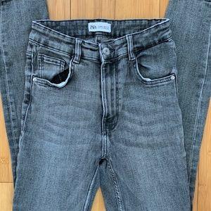 ZARA 6 faded black high waist skinny jeans C